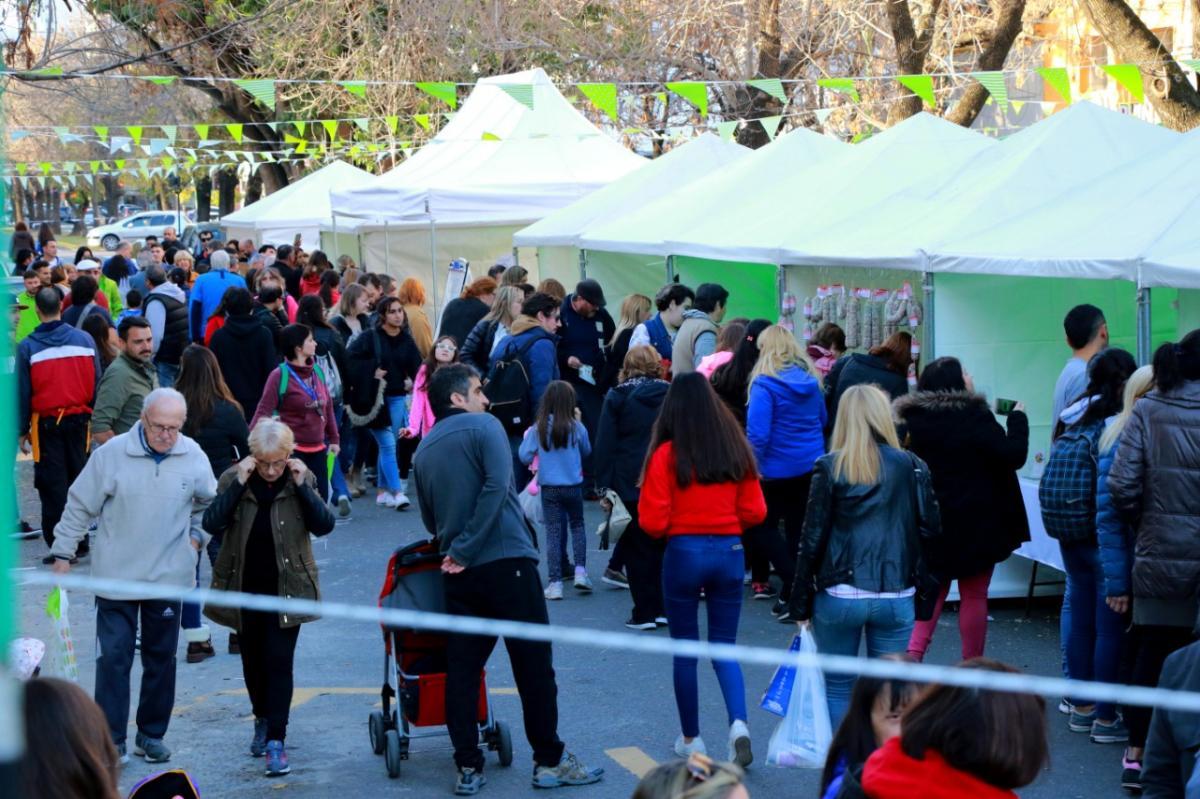 eb17ea9cd328 El Mercado Gourmet convocó a una multitud en La Plata