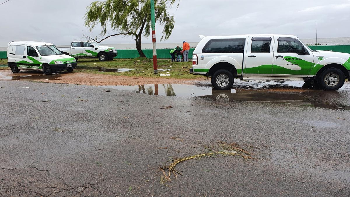 Evacuaron a 16 personas en Ensenada por la crecida del Río de la Plata